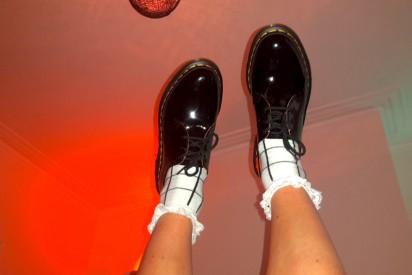 Clothes Swap Feet In Tha Air