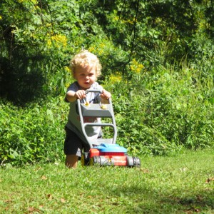 kid-mowing-the-lawn-1024x768